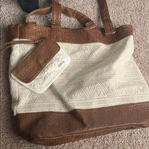 Aero Tote and Matching Wristlet